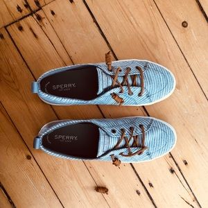 NEW Sperry Crest Vibe Sneakers